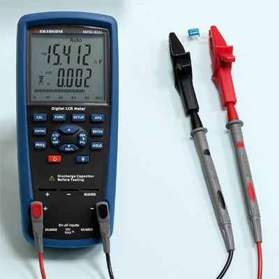 AKTAKOM AMM-3035 LCR Meter - Capacitance Measurement