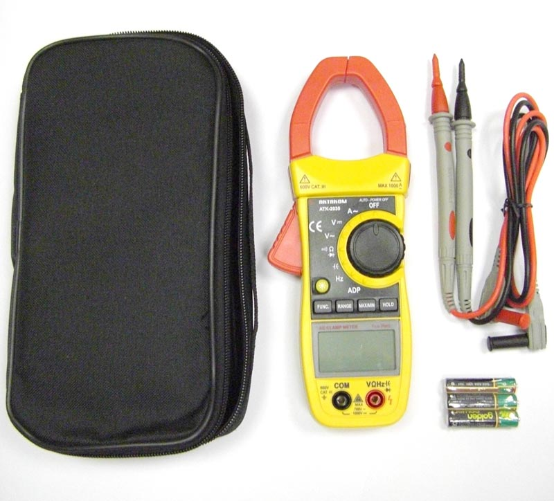 AKTAKOM ATK-2035 Clamp Meter - Standard accessories