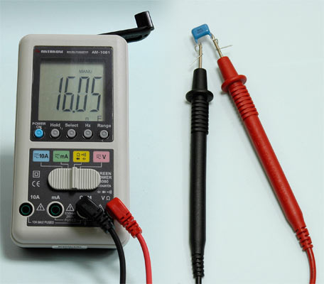 AKTAKOM AMM-1081 Hand Charger Digital Multimeter - Capacitance Measurement