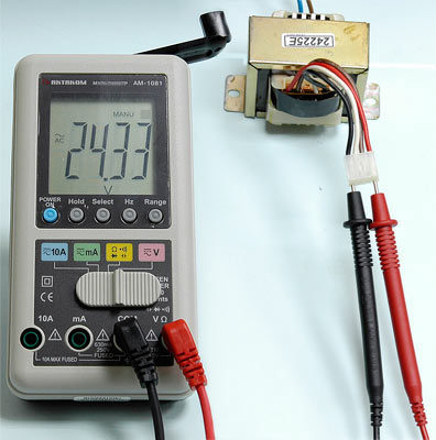 AKTAKOM AMM-1081 Hand Charger Digital Multimeter - AC Voltage measurement