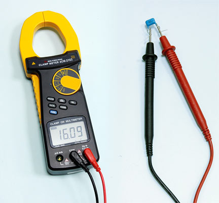 AKTAKOM ACM-2103 2000 A AC/DC Clamp Meter. True RMS + Multimeter + Direct current input (mA, µA) - Capacitance Measurement