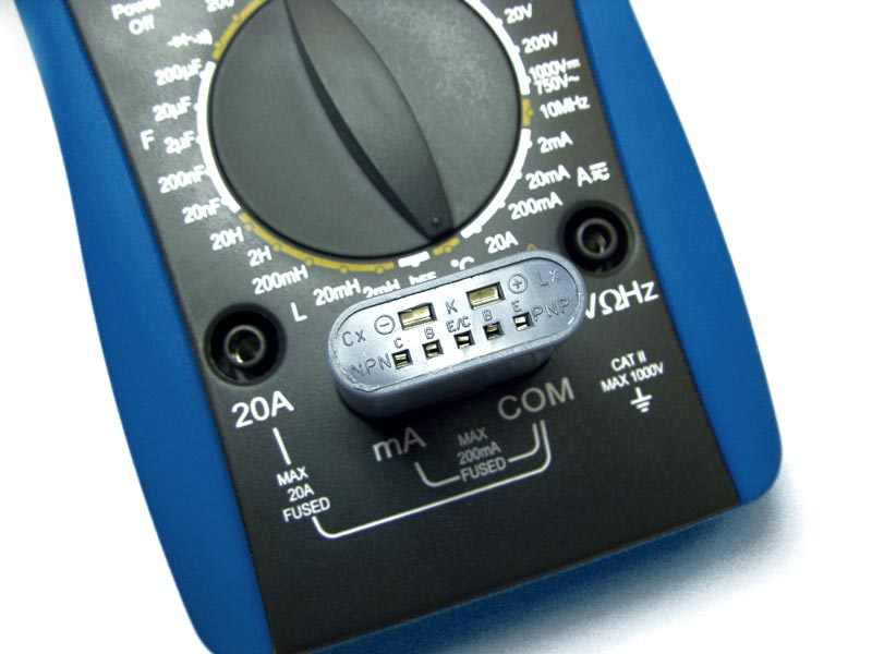 AKTAKOM AM-1083 Digital Multimeter - input terminals