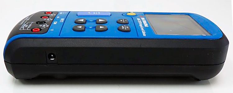 AKTAKOM AM-7070 Voltage and Current Calibrator - side view
